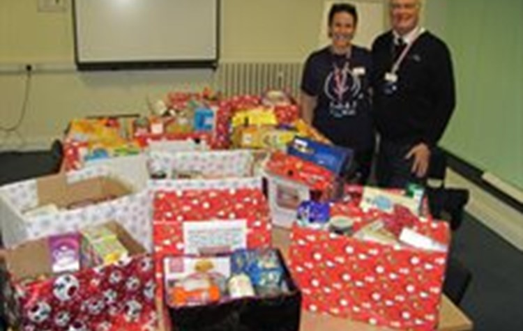 Hospital staff support local food bank